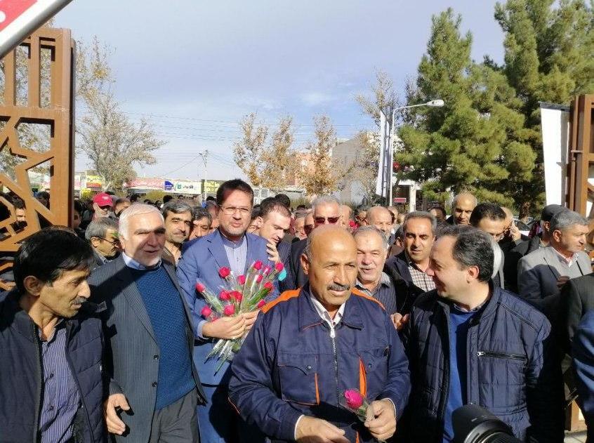 🔴🔴🔴 گزارش تصویری : حسینی شاهرودی در جمع پرشور مردم برای انتخابات مجلس شورای اسلامی ثبت نام کرد