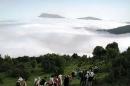 نجات سه نفر گمشده در جنگل ابر توسط امدادگران سازمان آتش نشانی شاهرود